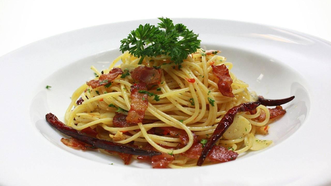 Spaghetti con speck