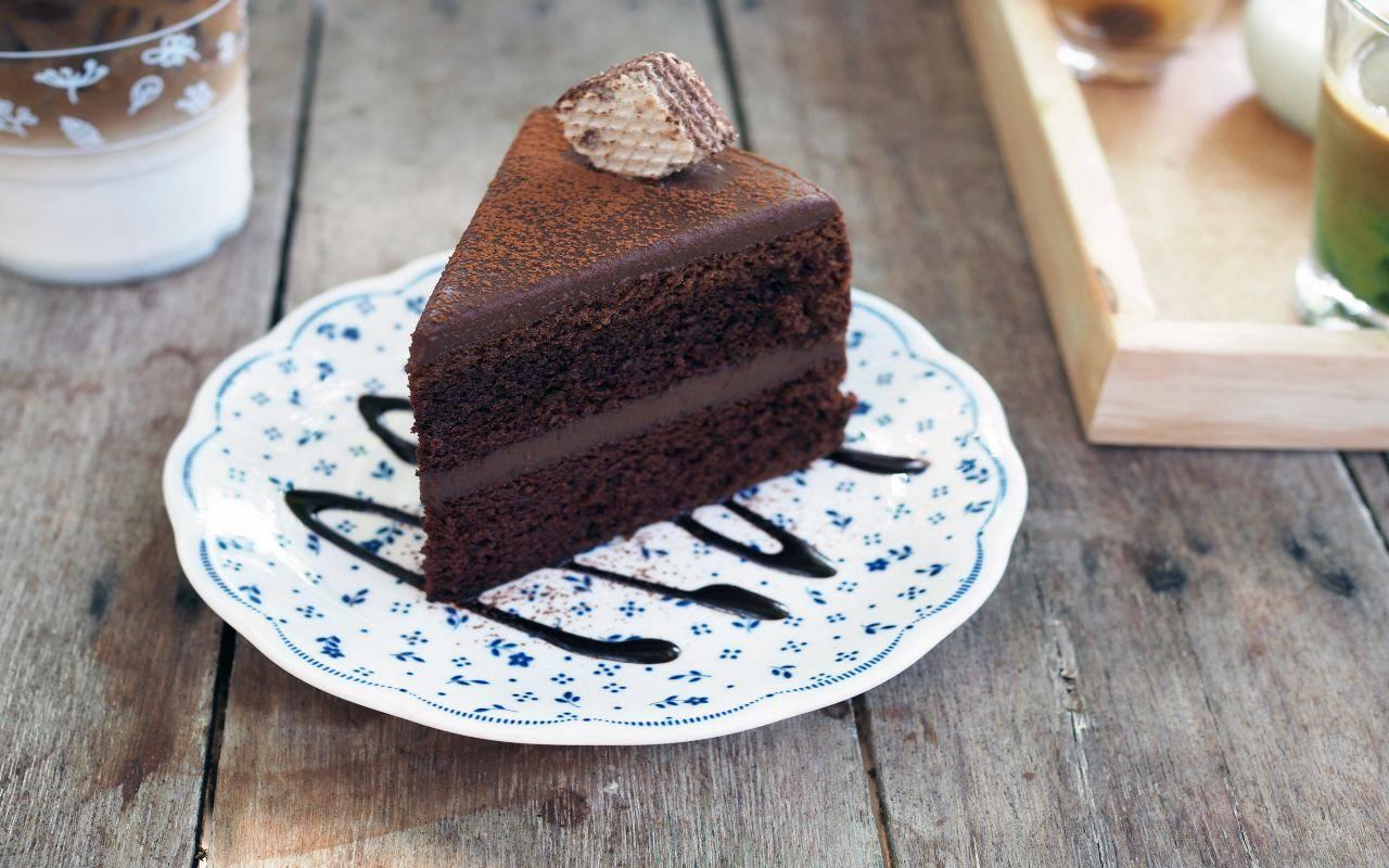 dolce goloso ai wafer e cioccolato FOTO ricettasprint