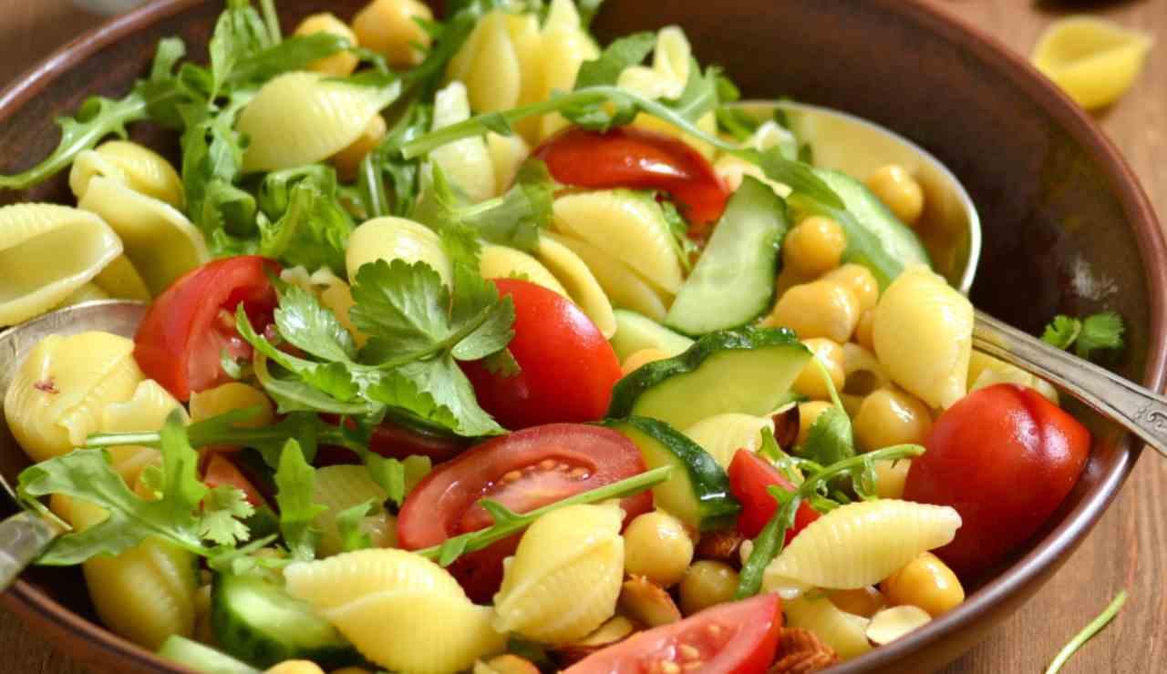 pasta con rucola ceci pomodori e cetrioli ricettasprint