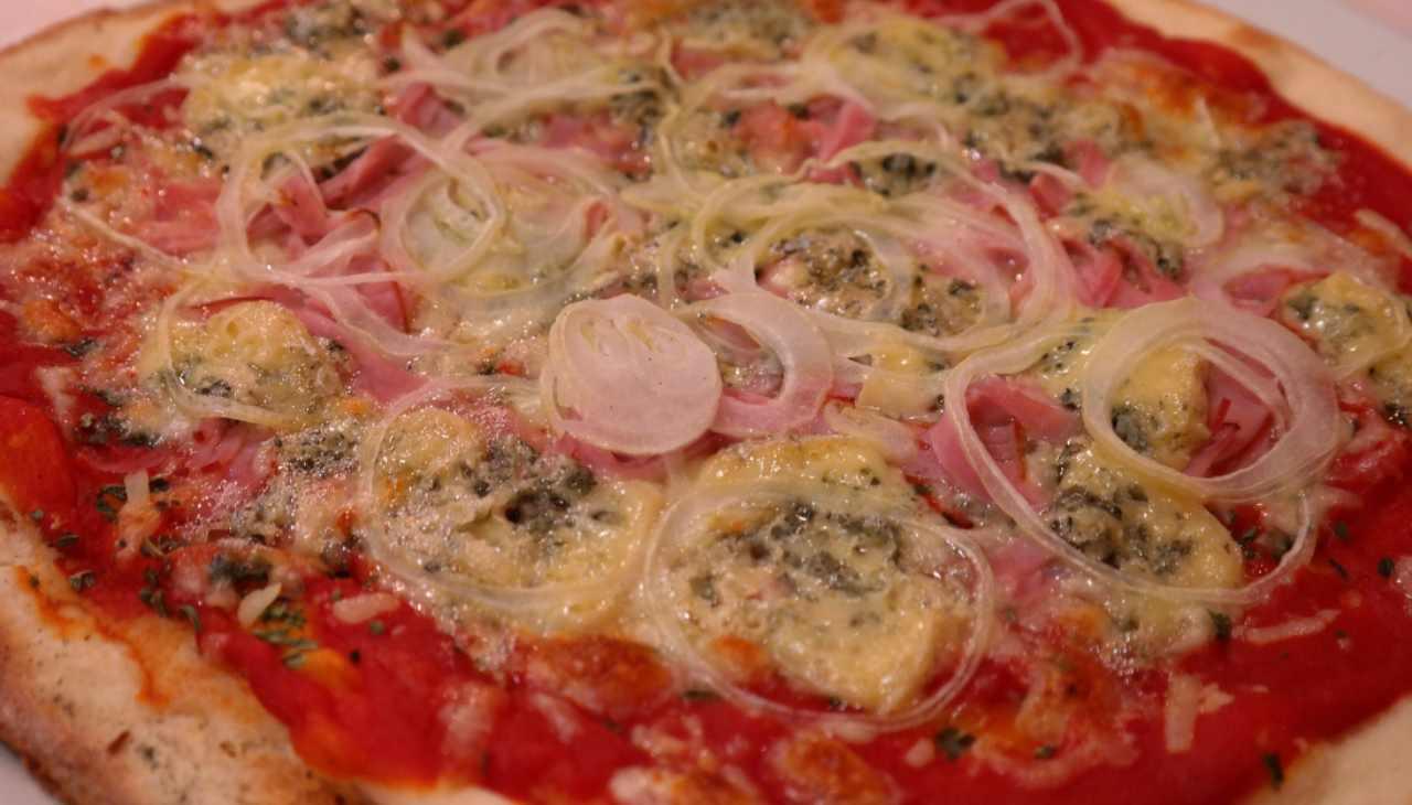pizza cipolla Tropea veloce Covid