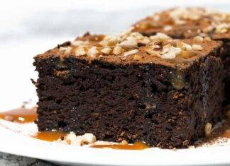torta cioccolato salsa mou