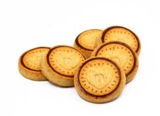 biscotti con crema spalmabile alle nocciole FOTO ricettasprint
