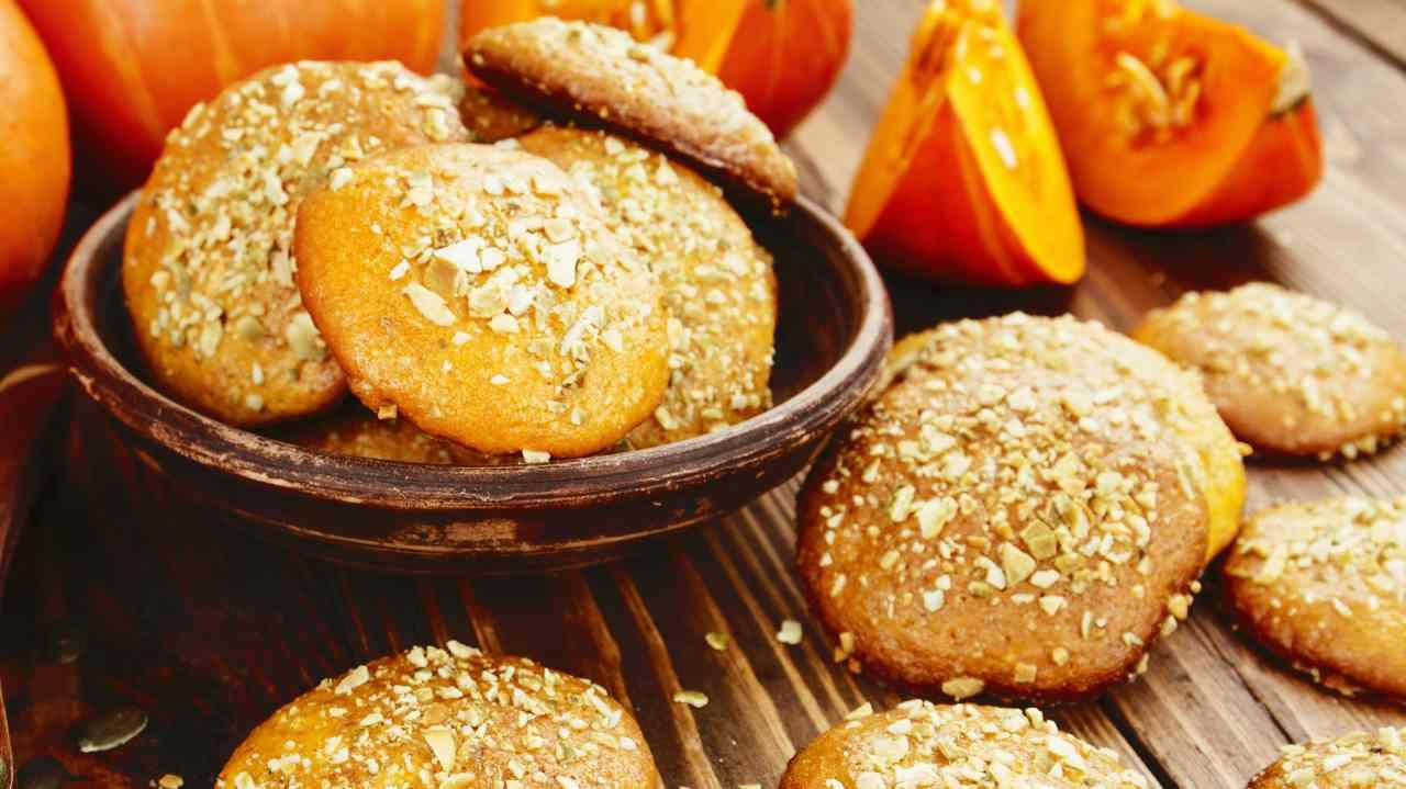 Biscotti di zucca e amaretti