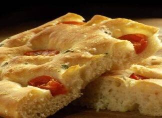 Pizza con pomodorini