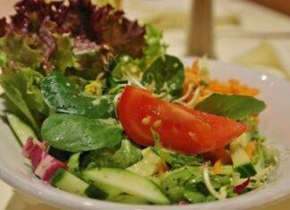 insalata pomodori zucchini contorno veloce