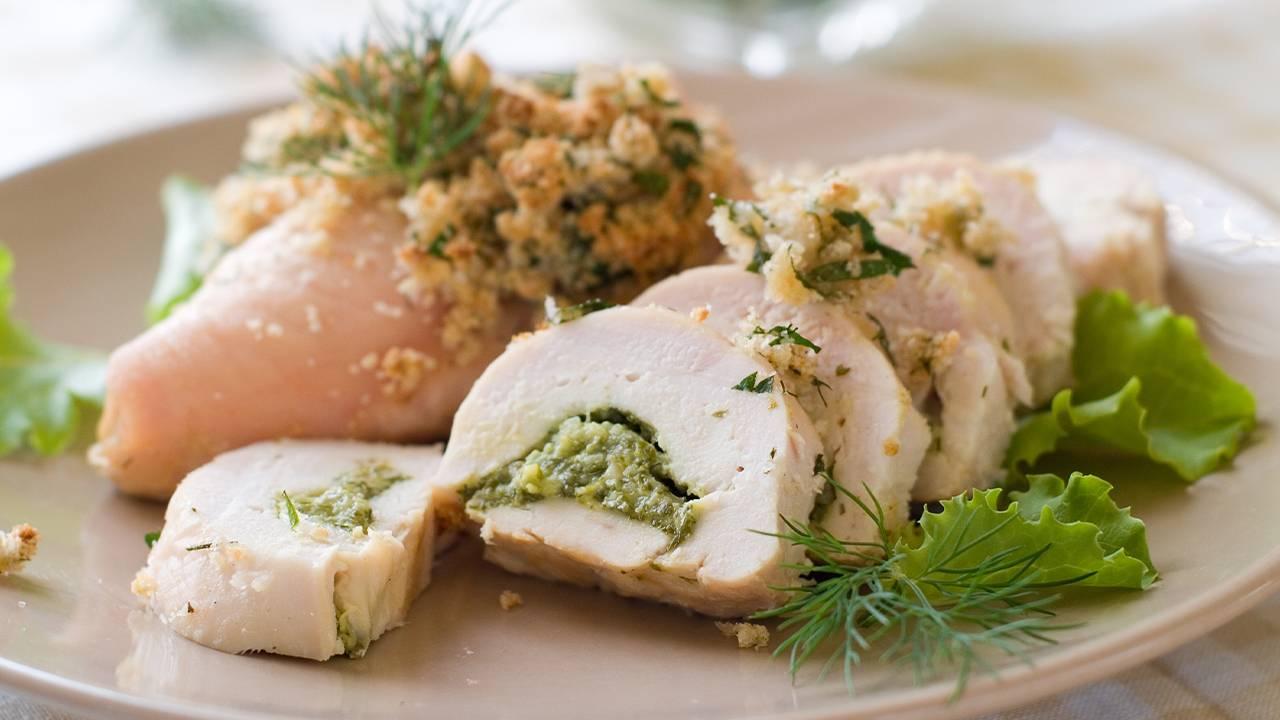 Pollo con pesto di basilico