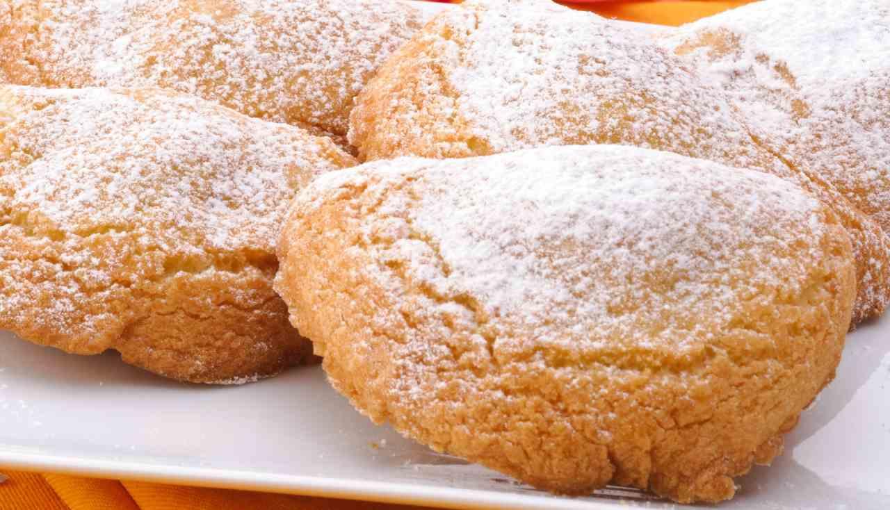 Mezzelune dolci con crema di ricotta ricettasprint
