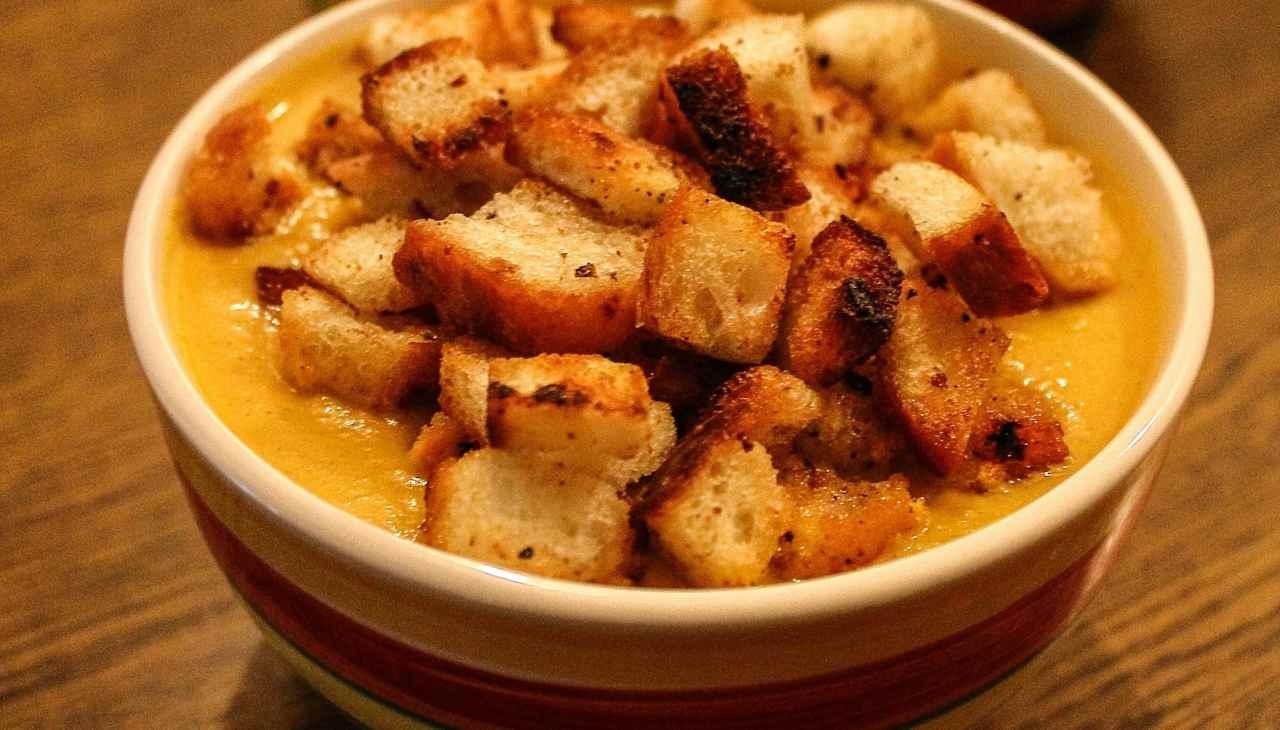 minestra pane olio patate