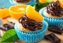 Muffin all'arancia e ganache al cioccolato
