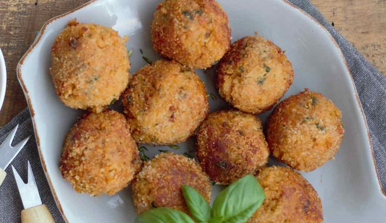 Polpette di patate speck ed asiago al forno ricettasprint