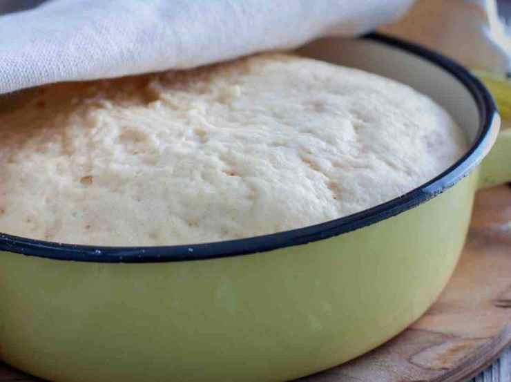 Pasta sfoglia con pomodori