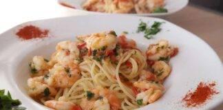 Spaghetti ai gamberetti e peperoncino ricettasprint