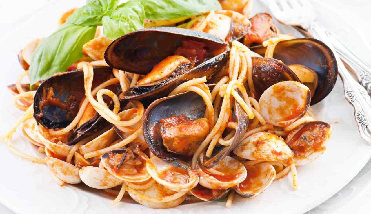 Spaghetti piccanti con cozze e vongole ricettasprint