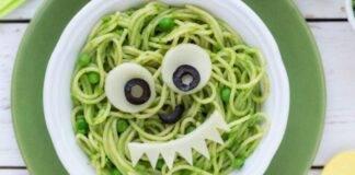 spaghetti pasta piselli formaggio