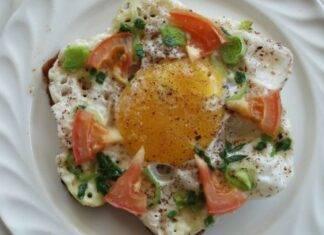 toast pancarrè uovo pomodoro