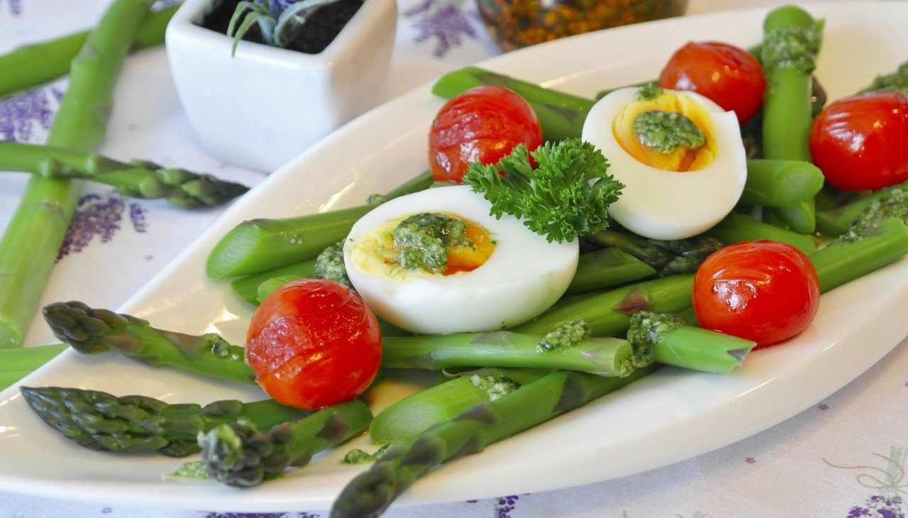 uovo lesso asparagi secondo veloce