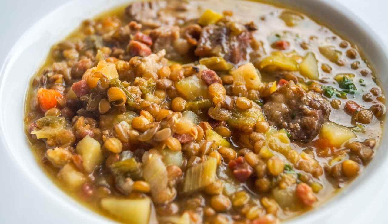 Zuppa rustica di lenticchie con carne ricettasprint