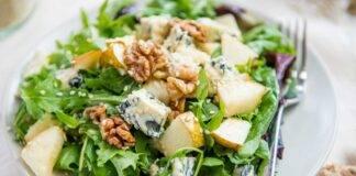 insalata di rucola con pere noci e gorgonzola