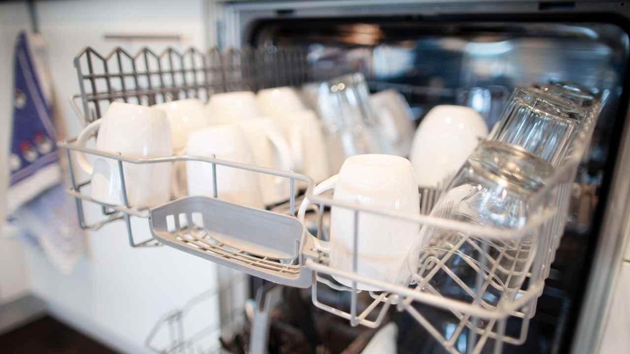 come pulire la lavastoviglie metodo