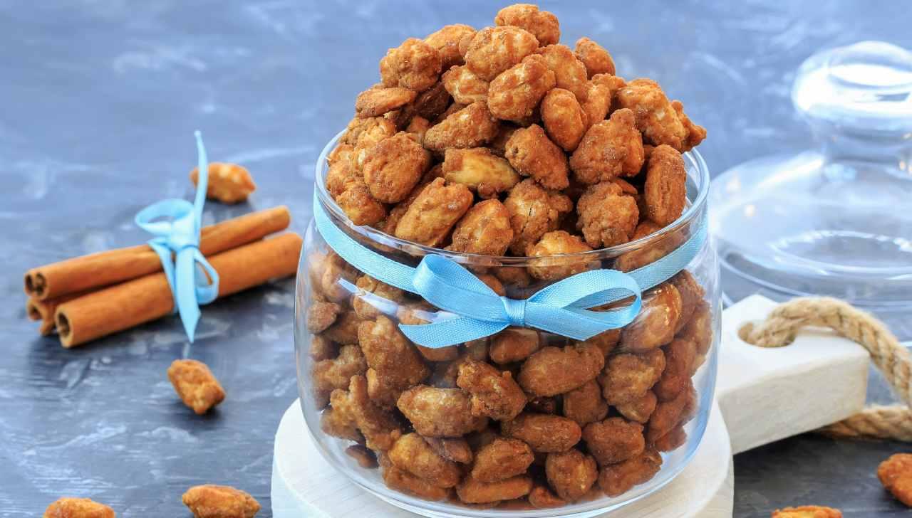 noccioline americane caramellate alla cannella ricettasprint