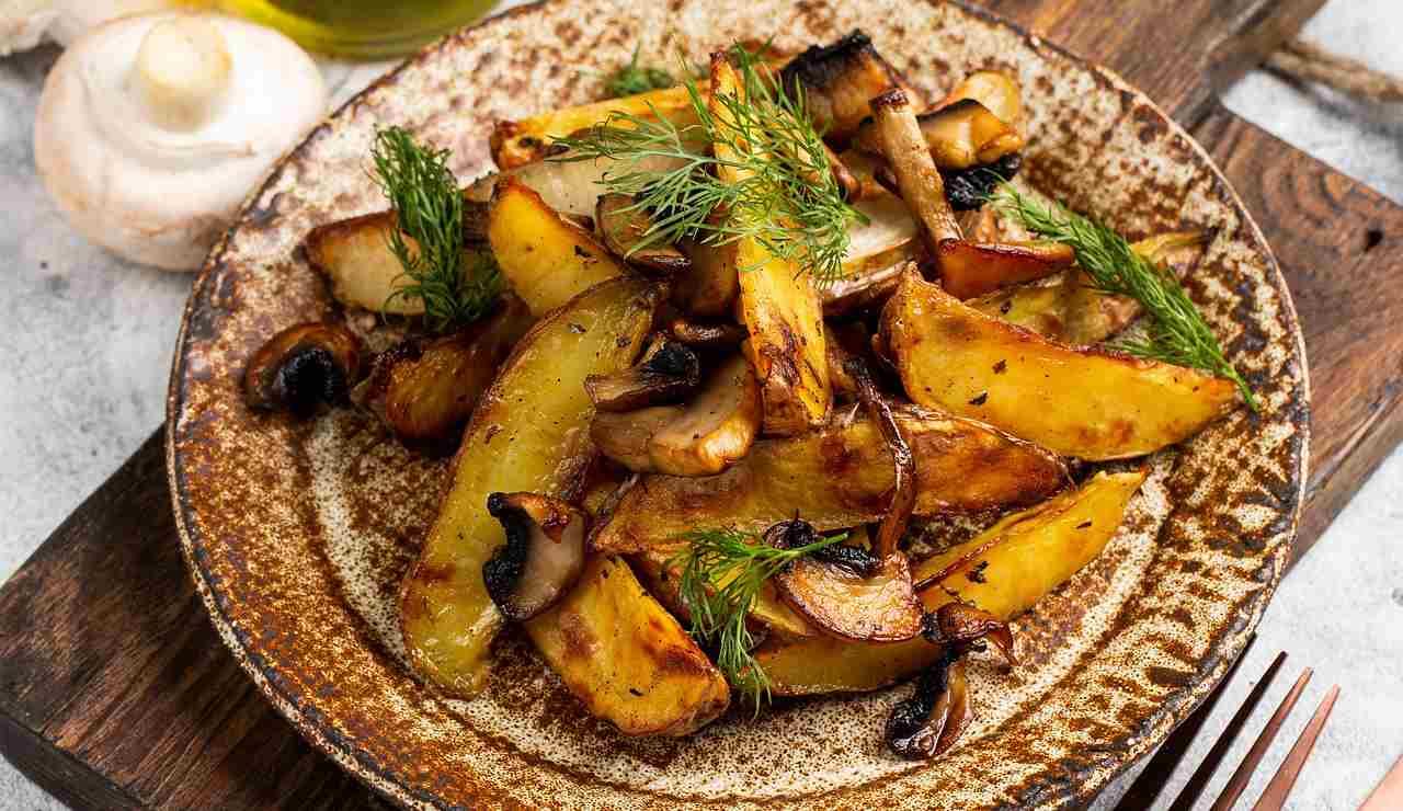Patate e funghi arrosto
