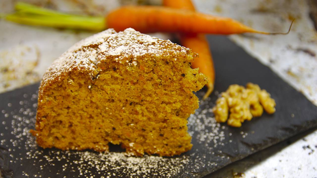 Torta alla carota senza zucchero e glutine