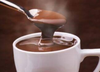 cioccolata calda bevanda rum