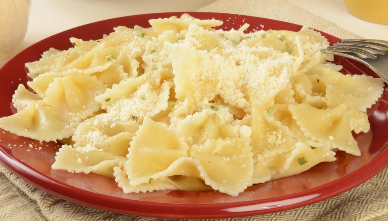 farfalle pasta burro formaggio