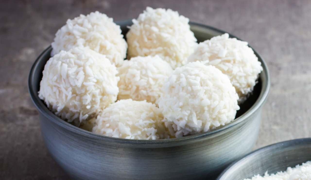 Palline al cocco con 3 ingredienti ricettasprint