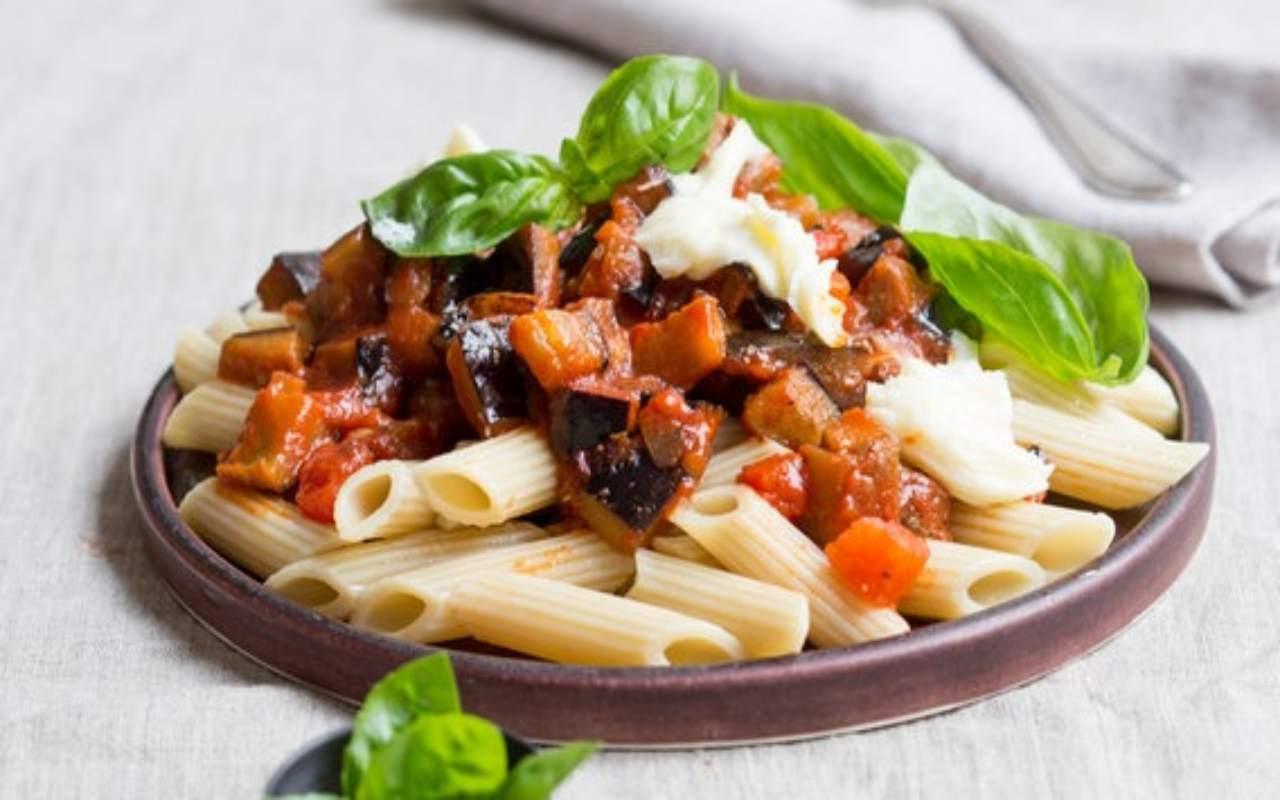 pasta con melanzane FOTO ricettasprint