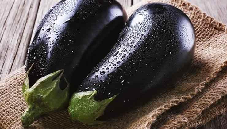 Pasta tonno, pinoli e melanzane FOTO ricettasprint