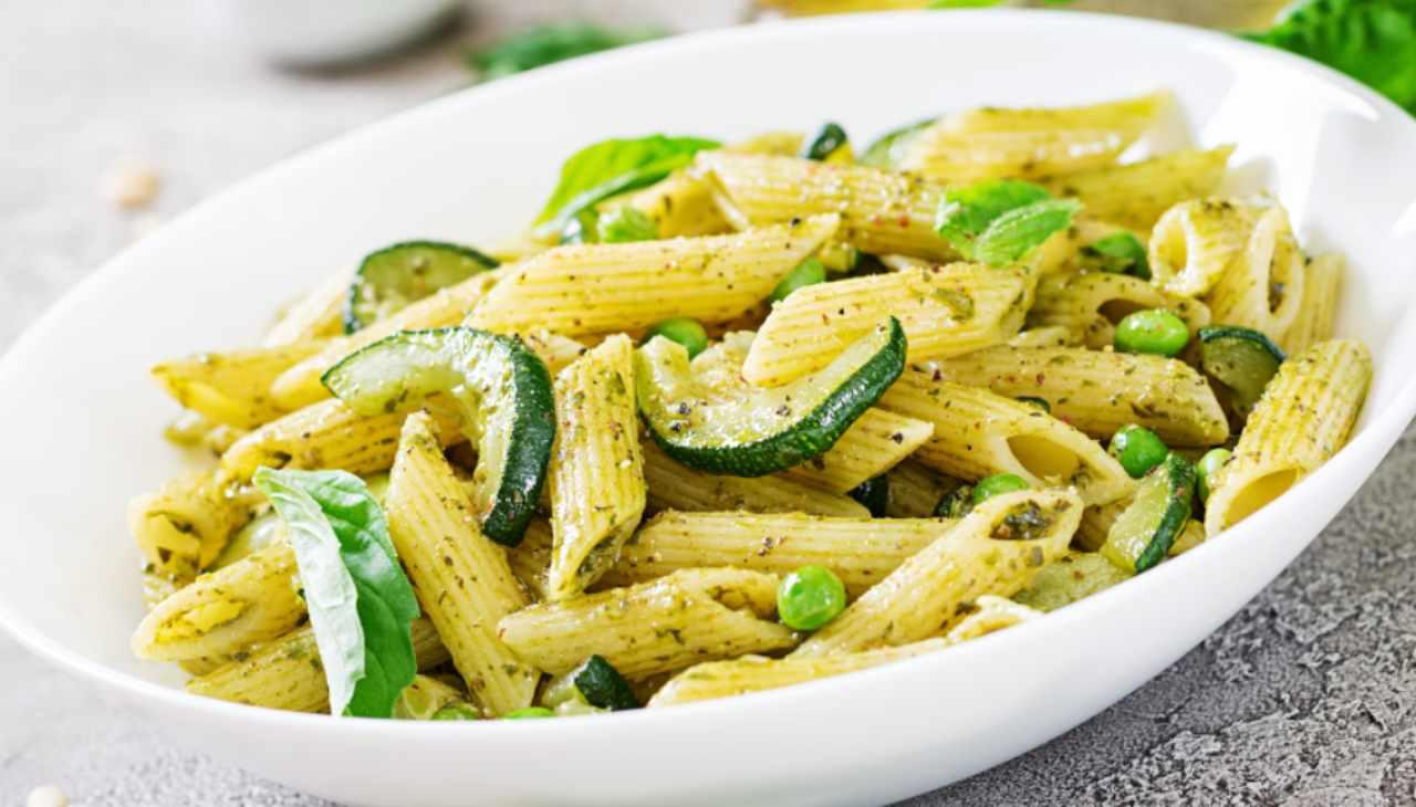 penne pasta verdure erbe aromatiche