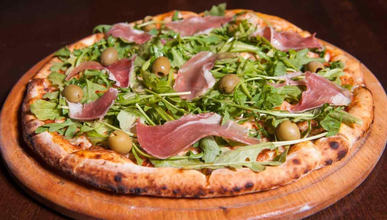 pizza verdura affettato