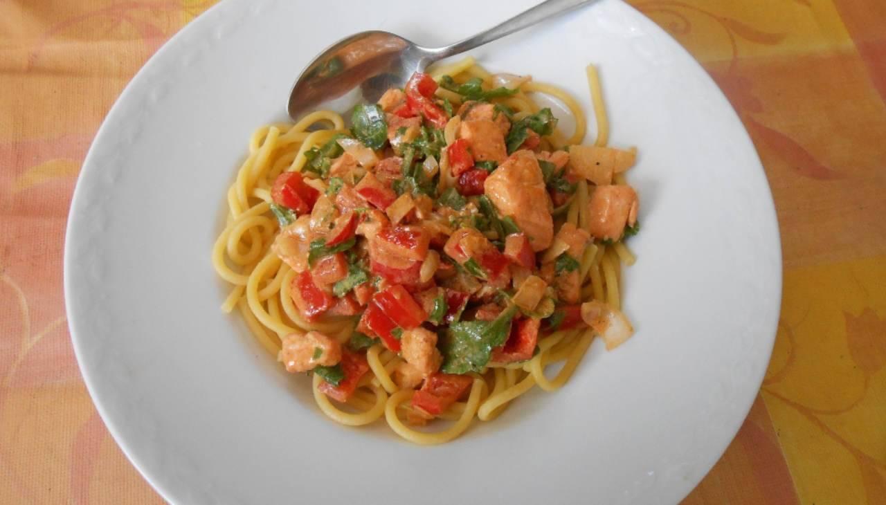 Spaghetti pasta sugo tonno veloce