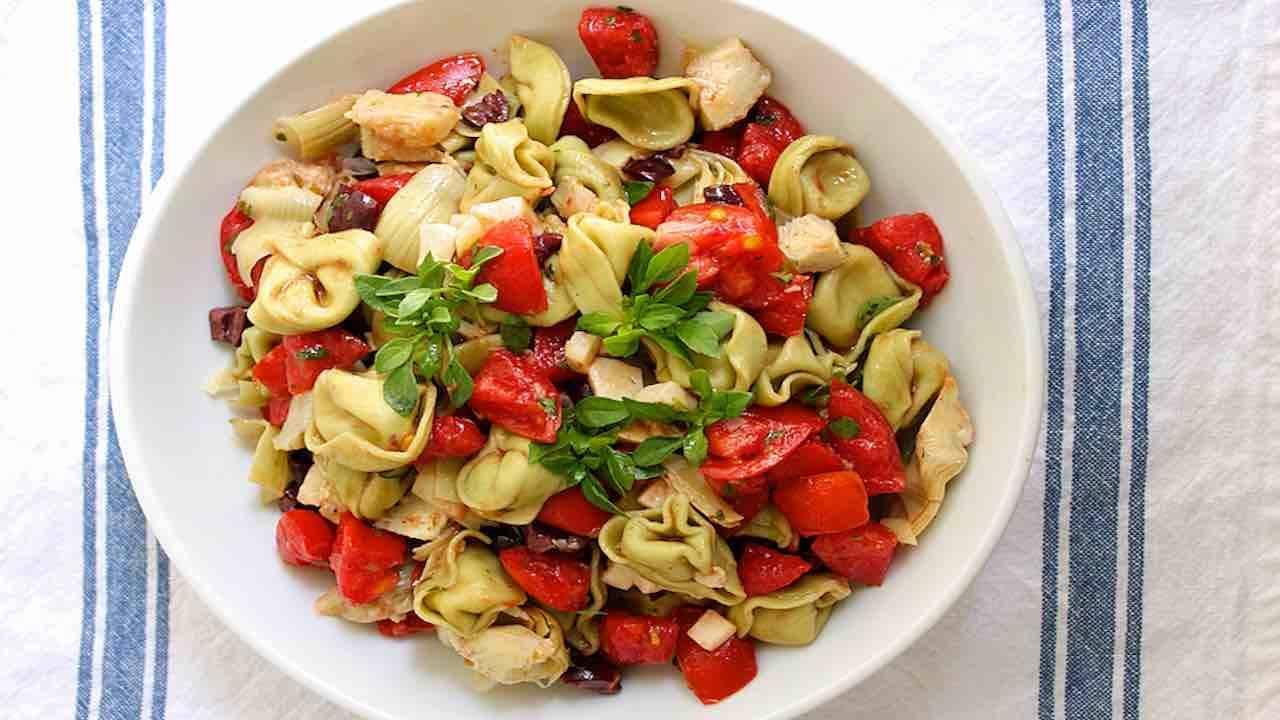 tortellini pomodorini sugo olive primo veloce