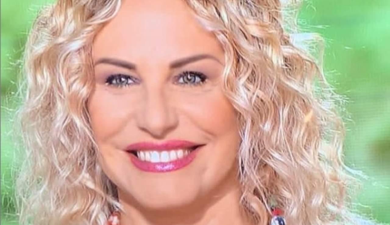 Antonella Clerici cantante video fa il giro del web ricettasprint