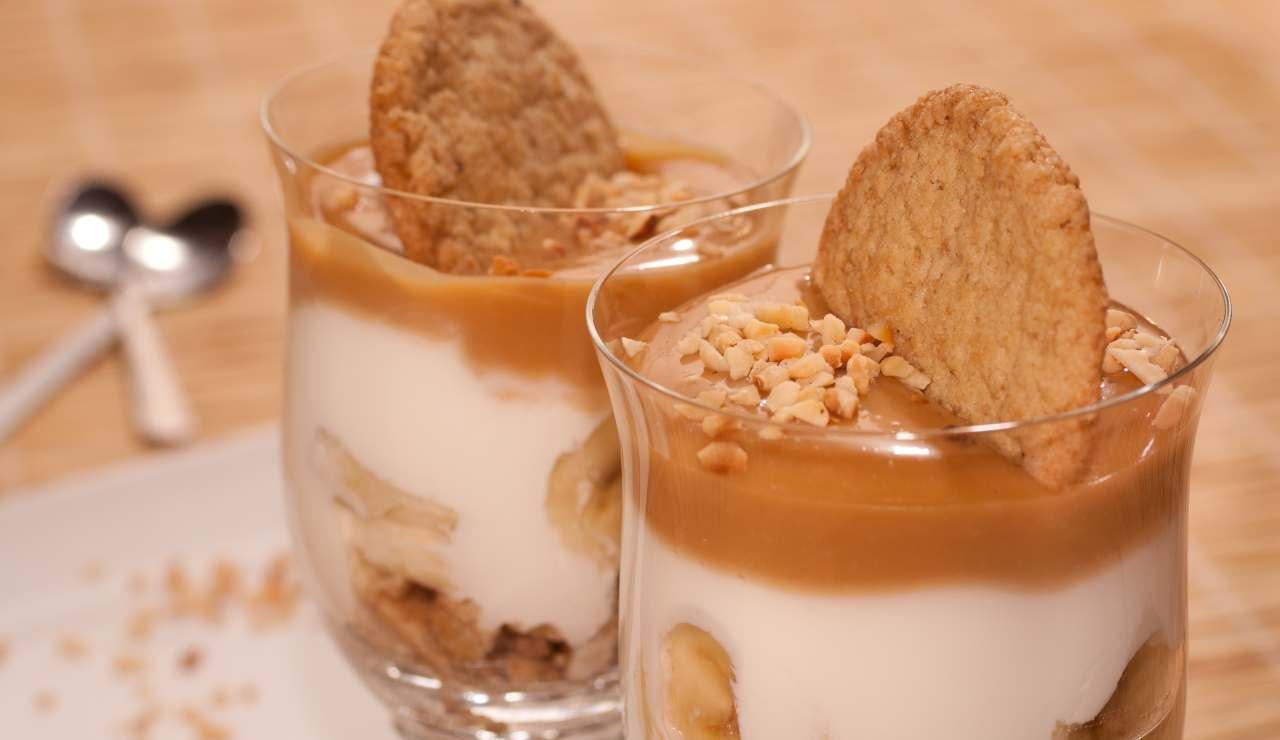 Bicchierini mascarpone nocciole e caramello ricettasprint