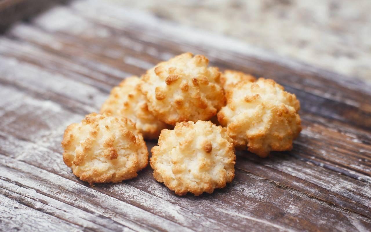 biscotti cocco vaniglia ricetta FOTO ricettasprint