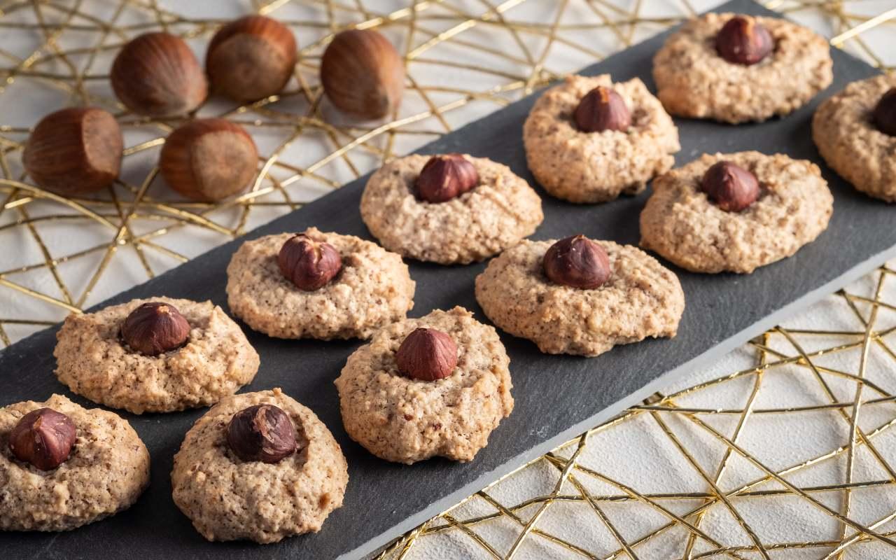 biscotti farina nocciole ricetta FOTO ricettasprint