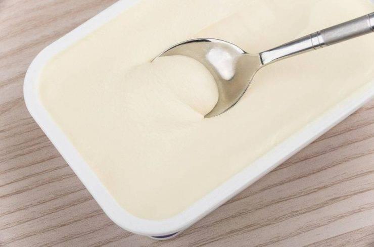 Bruschette formaggio spalmabile e cime di rapa FOTO ricettasprint