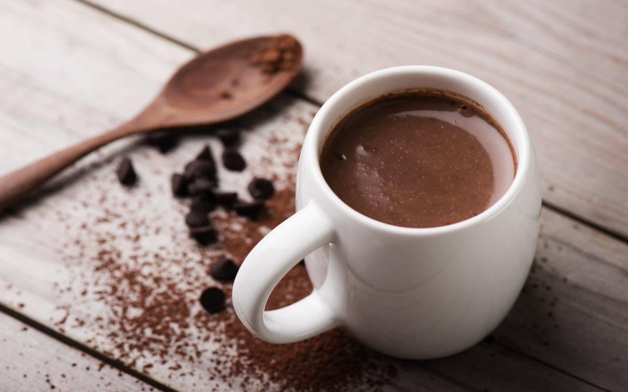 cioccolata latte mandorle ricetta FOTO ricettasprint