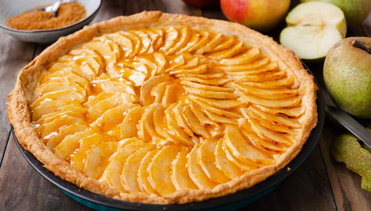 Crostata di mele con frangipane alla cannella ricetta