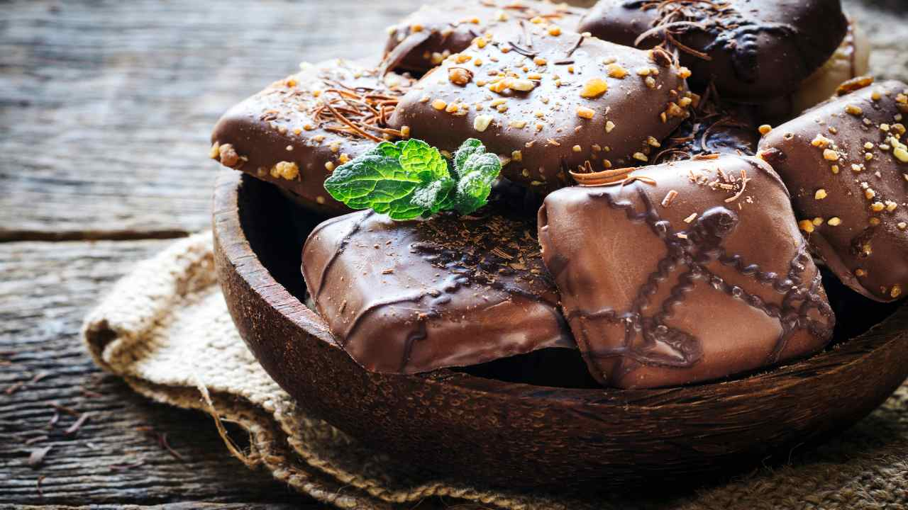 Biscotti al cioccolato e amarene