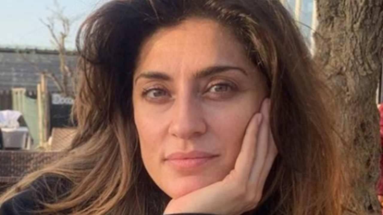Elisa Isoardi sfodera il sorriso migliore - RicettaSprint