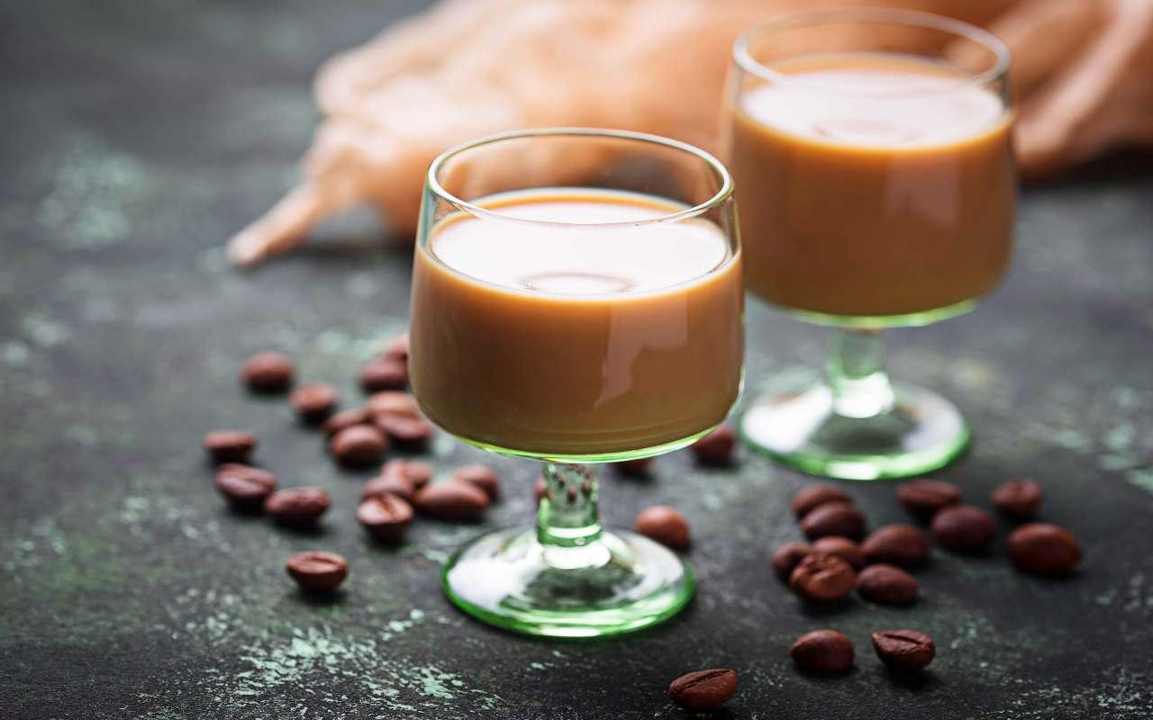 liquore caffè veloce ricetta FOTO ricettasprint