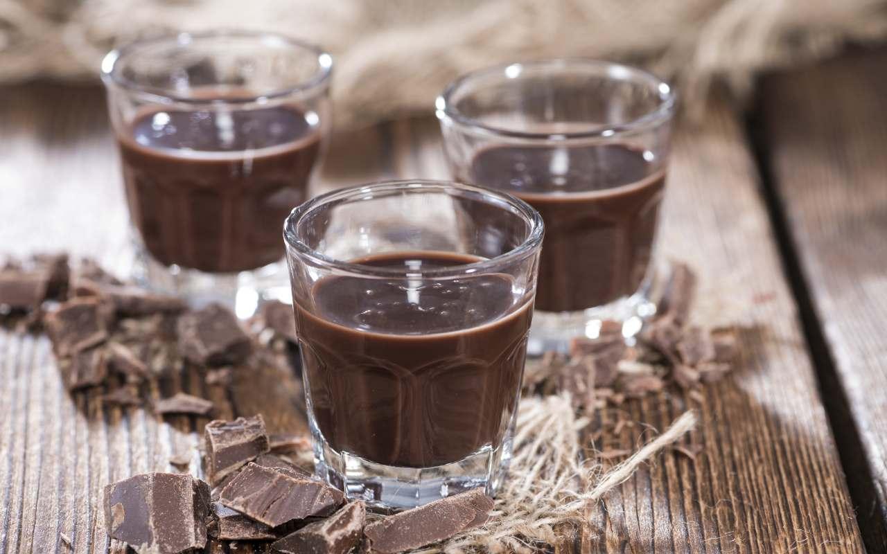 liquore cioccolato kinder ricetta FOTO ricettasprint