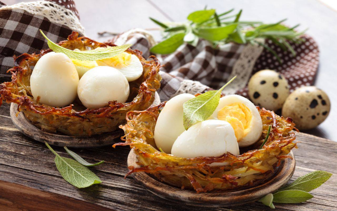 patate nidi uova sode ricetta FOTO ricettasprint