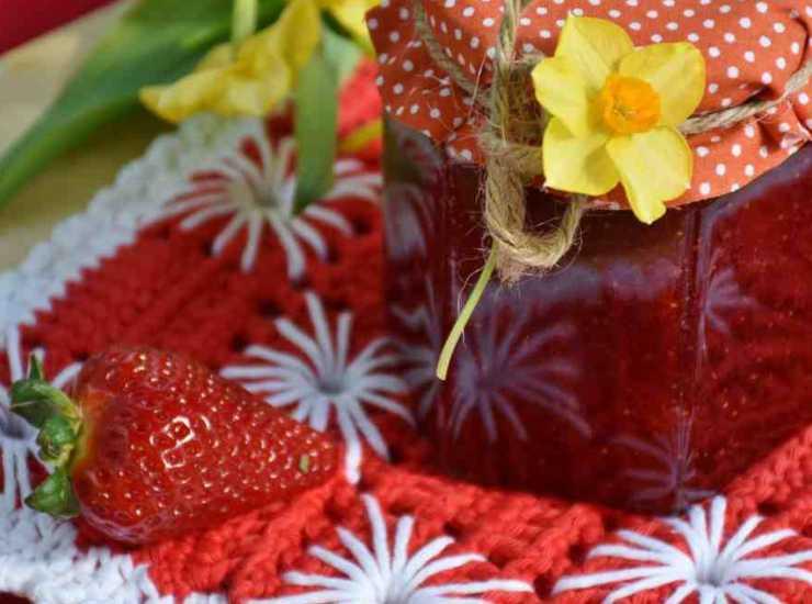Rotolo mascarpone e marmellata FOTO ricettasprint