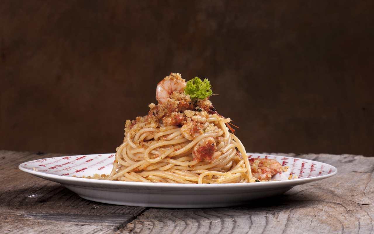 spaghetti mandorle gamberi ricetta FOTO ricettasprint