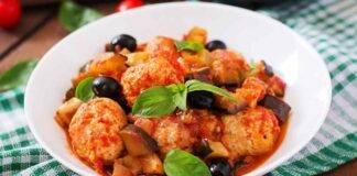 Stufato di pollo con salame spagnolo e olive ricetta